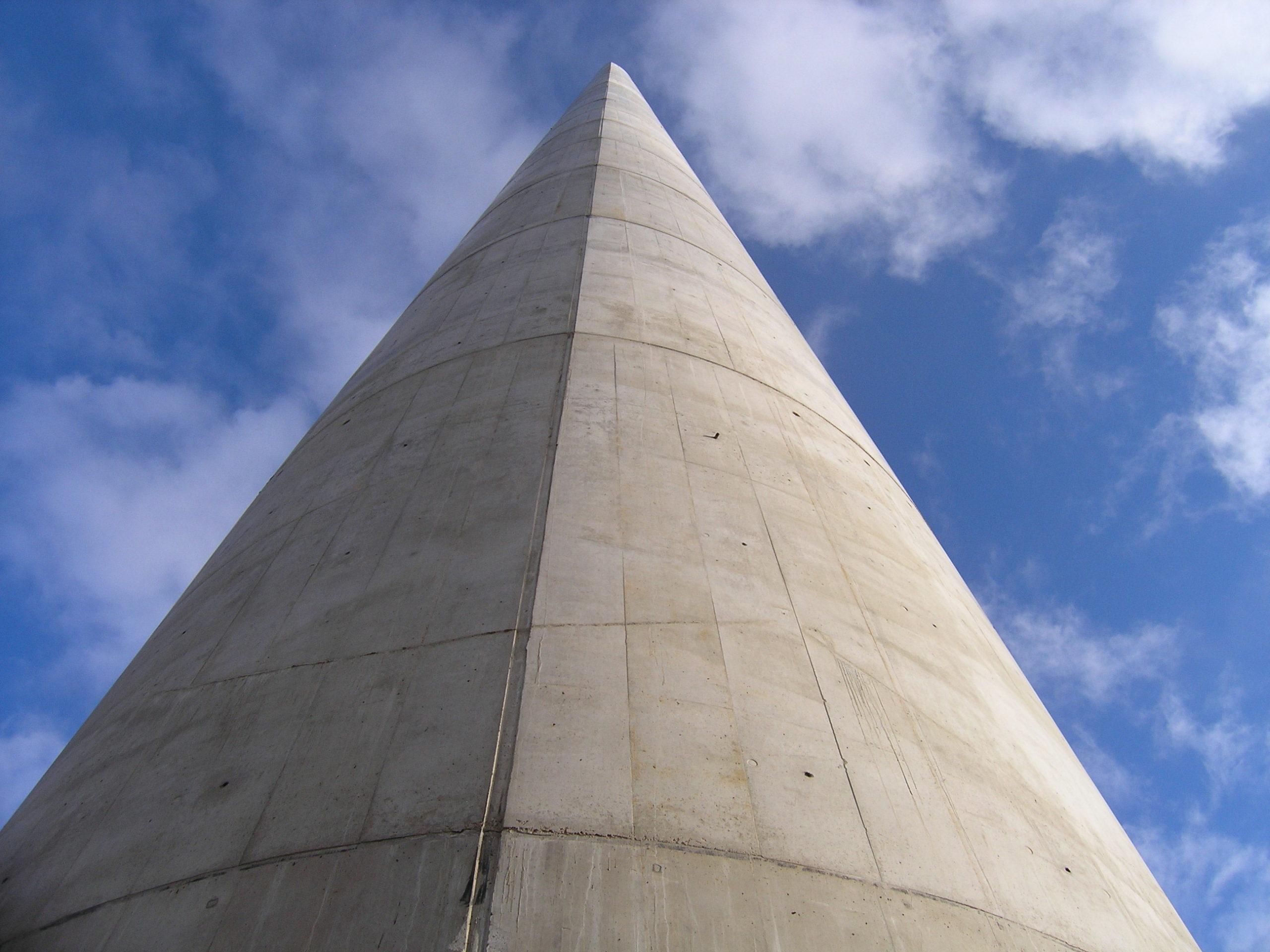 Torre de hormigón in situ Policono